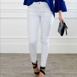 Frayed Hem Cropped Skinny Jeans